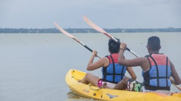 Kayaking-and-Canoing-in-nigombo-srilanka (1)