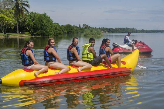 Banana-Boat-ride-nigombo-srilanka (1)