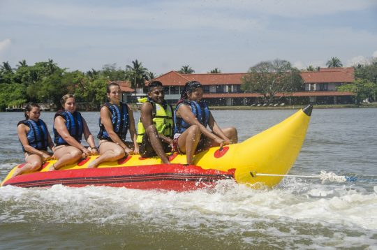 Banana-Boat-ride-nigombo-srilanka (2)