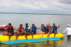 Banana-Boat-ride-nigombo-srilanka (21)