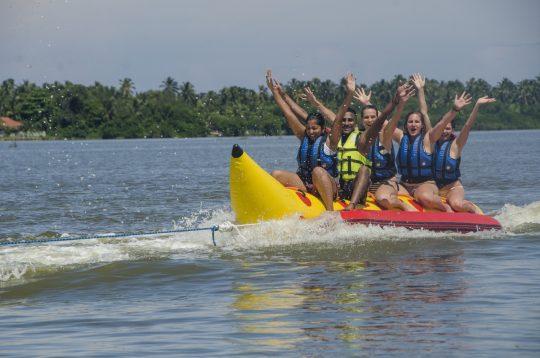 Banana-Boat-ride-nigombo-srilanka (3)