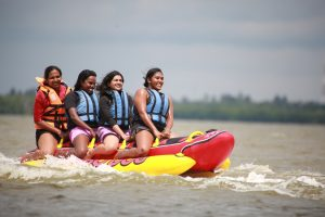 Banana-Boat-ride-nigombo-srilanka (4)