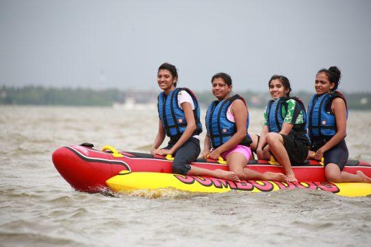 Banana-Boat-ride-nigombo-srilanka (7)